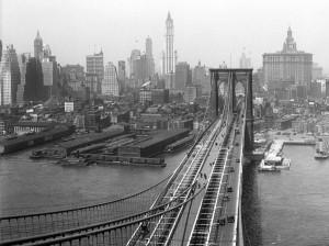 Blick vom Turm der Brooklyn Bridge ca. 1933